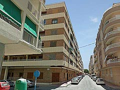 Costa Blanca, low price apartment for sale in Torrevieja, beach close