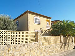 Costa Blanca, Calpe: huge house for sale at a bargain price, with lot of rooms